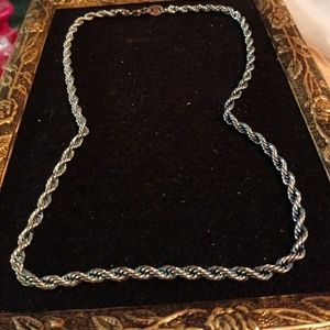 NWOT silvertone twisted rope chain